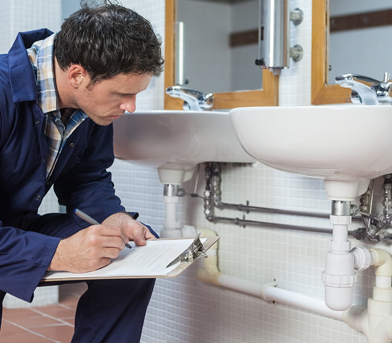 Услуги частного сантехника — преимущества